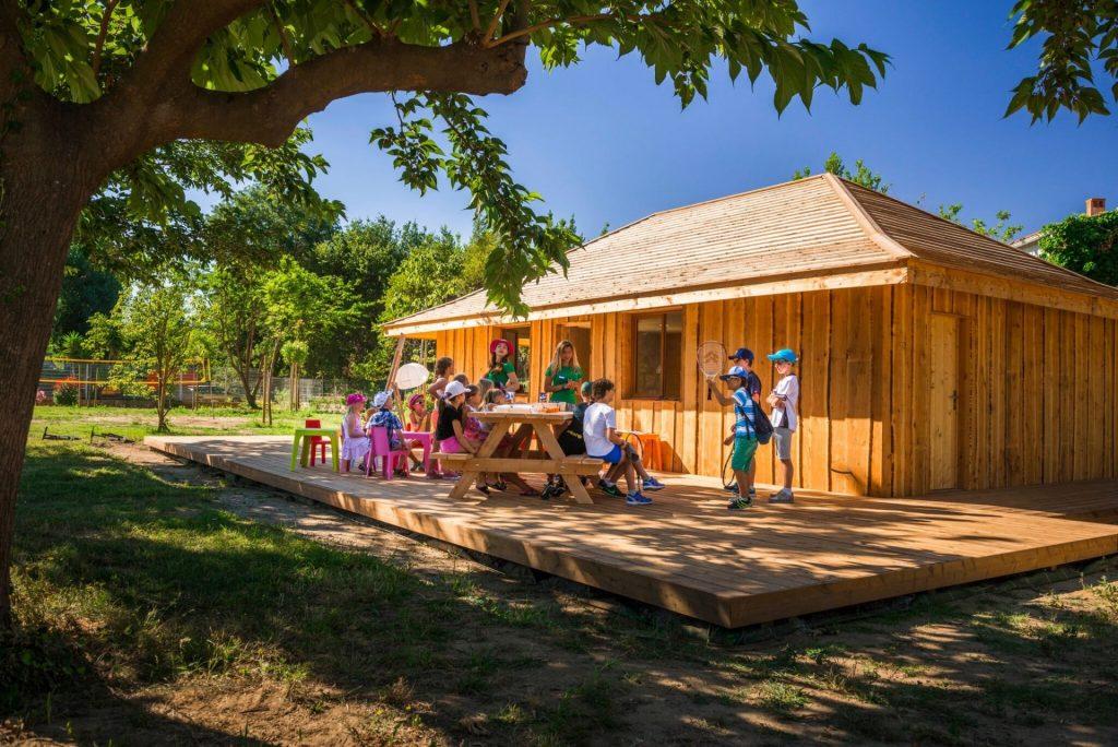 camping argeles enfants cabane le dauphin