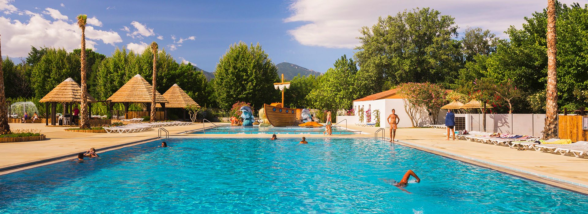 The campsite's heated swimming pools 1